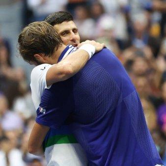 Novak Djokovic pierde meciul cu istoria tenisului. Sarbul invins in finala US Open de un rus desprins parca din seria Rocky