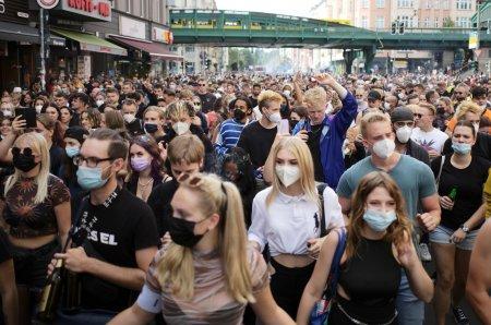 Europa se zdruncina din temelii! Oamenii nu mai suporta! Au iesit masiv in strada