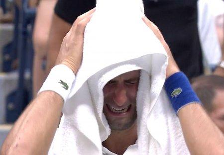 Novak Djokovic a izbucnit in lacrimi, desi finala nu se terminase » Ce s-a intamplat pe <span style='background:#EDF514'>ARTHUR</span> Ashe