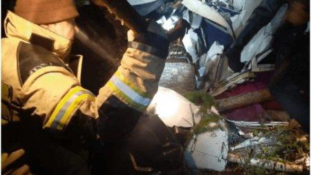 <span style='background:#EDF514'>ACCIDENT AVIATIC</span> in Siberia: patru persoane au murit