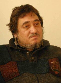 A murit scriitorul Razvan Codrescu