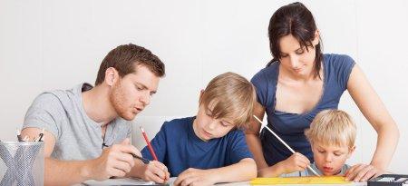 <span style='background:#EDF514'>SFATURI</span> pentru parintii ai caror copii merg de astazi la scoala