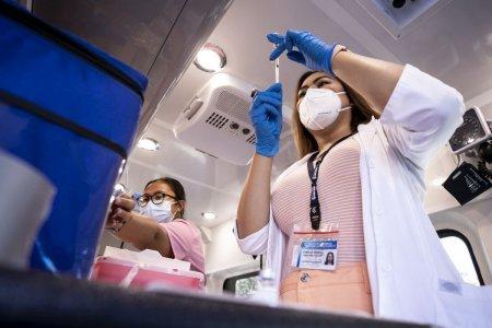 In SUA, unele cadre medicale prefera demisia in locul vaccinarii. Din acest motiv, un spital a fost nevoit sa sisteze nasterile