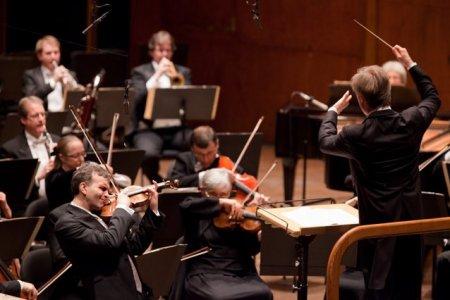 Doi laureati Grammy, dirijorul Cristian Macelaru si violonistul Maxim Vengerov urca pe scena Festivalului Enescu