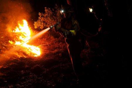 Peste 200 de soldati se lupta cu incendiile din sudul Spaniei. Numarul persoanelor evacuate a depasit 2.000