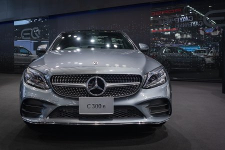Decizie indrazneata luata de <span style='background:#EDF514'>MERCEDES</span>-Benz: Nu va mai dezvolta astfel de masini