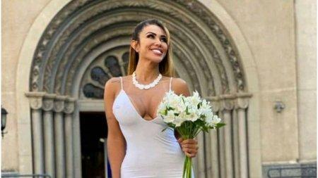 Un model <span style='background:#EDF514'>BRAZIL</span>ian s-a maritat cu ea insasi: Nu voi divorta niciodata de mine