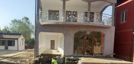Vila construita pe conducta de aductiune cu apa care alimenteaza municipiul Craiova