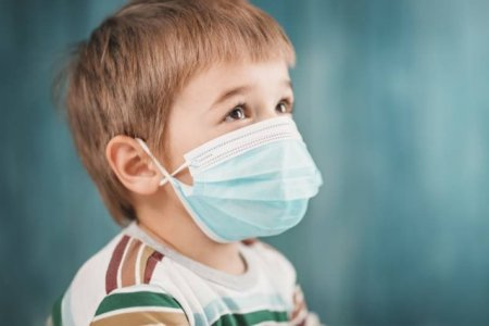 Decizie! Parintii cu SARS-CoV-2 vor fi tratati in sectiile de pediatrie, unde se afla internati si copiii lor