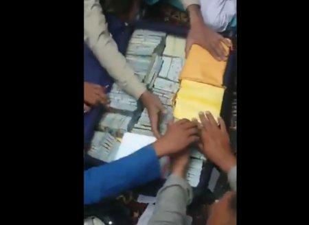 VIDEO Talibanii sustin ca au gasit ligouri de aur si milioane de dolari in casa fostui vicepresedinte Amrullah Saleh