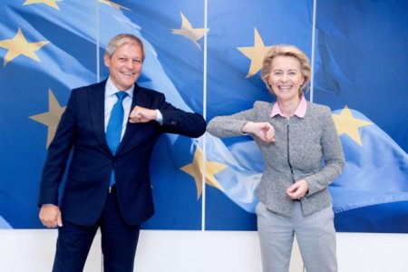 Ciolos a discutat criza politica din Romania cu Ursula von der Layen