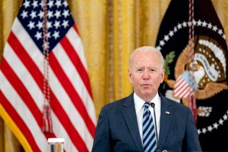 Planul lui Biden privind vaccinarea a peste 100 de milioane de angajati americani, vulnerabil in justitie