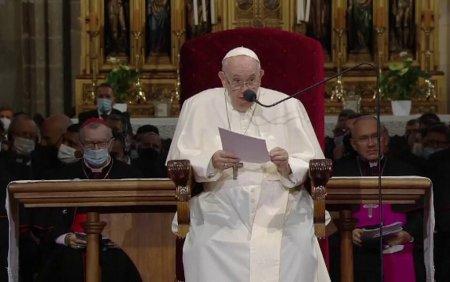 Papa Francisc, nemultumit de cuvantarile <span style='background:#EDF514'>BISERIC</span>ii catolice din Slovacia. Sunt primele sale vizite dupa operatia de colon