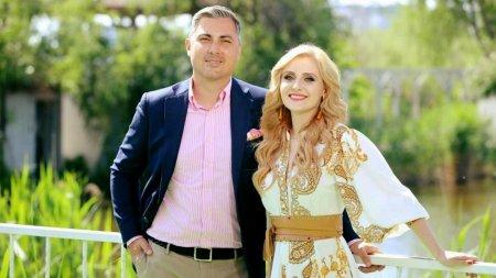 Cum au aparut Alina Sorescu si Alexandru Ciucu, dupa ce s-a spus ca <span style='background:#EDF514'>DIVORT</span>eaza: Ca in vremurile bune