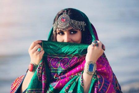 Protestul rochiilor colorate. Cum lupta femeile din Afganistan impotriva restrictiilor vestimentare impuse de talibani