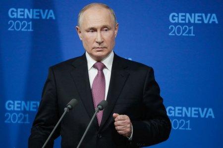 Vladimir Putin a intrat in autoizolare dupa ce mai multe cazuri de COVID au fost confirmate in anturajul lui