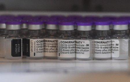 A treia doza de vaccin anti-Covid pentru persoanele de peste 50 de ani, in Marea Britanie