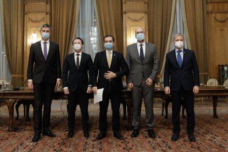 Cand se incheie criza politica din Romania. Dan <span style='background:#EDF514'>BARNA</span> ia in calcul cel mai negru scenariu