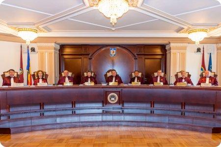 <span style='background:#EDF514'>CURTEA CONSTITUTIONALA</span> a decis. Cand va dezbate sesizarea Guvernului privind motiunea de cenzura depusa de USR PLUS si AUR