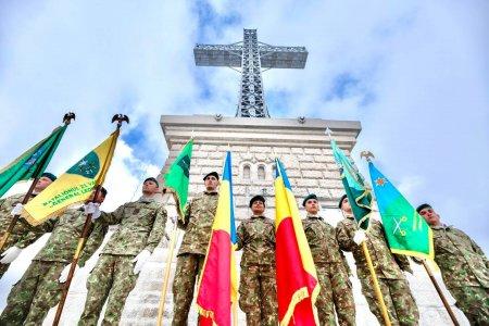 Crucea de pe Caraiman a fost restaurata. Nicolae Ciuca: