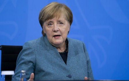 Angela Merkel: <span style='background:#EDF514'>MACEDONIA</span> de Nord si Albania indeplinesc criteriile pentru a incepe negocierile de aderare la UE