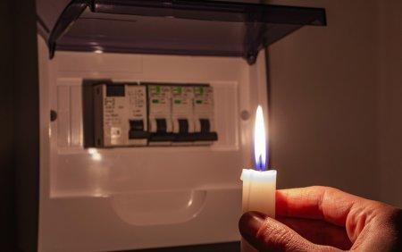 Ministru italian: Preturile la electricitate ar urma sa creasca cu 40% in urmatorul trimestru