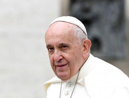 Papa Francisc, dupa ce a vizitat un <span style='background:#EDF514'>CARTIER</span> de romi in Slovacia: Plasarea oamenilor in ghetouri nu rezolva nimic