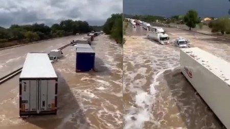 Inundatii masive in Franta, cu cel putin doi disparuti si camioane <span style='background:#EDF514'>BLOCATE</span> de viituri pe autostrada