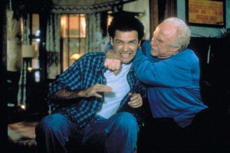 Actorul de <span style='background:#EDF514'>COMEDIE</span> Norm Macdonald a murit la varsta de 61 de ani