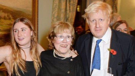 Premierul britanic <span style='background:#EDF514'>BORIS</span> Johnson si-a pierdut mama. Charlotte Johnson Wahl a decedat in spital
