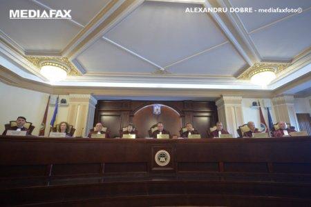 CCR se apleaca asupra posibilului conflict juridic Parlament-Guvern pe tema motiunii de cenzura