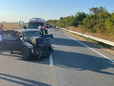 UPDATE 4 camioane si un autoturism, implicate intr-un accident pe DN65, in Olt. Traficul este blocat