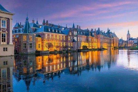 Olanda renunta complet la distantarea de 1,5 metri si anunta introducerea unui 'permis Covid' pentru restaurante, baruri si festivaluri