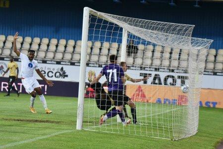 Dupa Dinamo, inca o echipa din Liga 1 si-a demis antrenorul