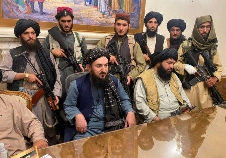 Talibanii s-au luat la bataie in palatul p<span style='background:#EDF514'>REZIDENTI</span>al. BBC: nemultumiri la impartirea puterii in noul guvern