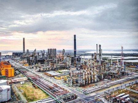 Rompetrol Well Services, divizia de servicii petroliere a Rompetrol, convoaca actionarii pentru a discuta propunerea actionarului minoritar KJK Balkan Holding de revocare a administratorilor companiei si <span style='background:#EDF514'>DEMITERE</span>a auditorului financiar