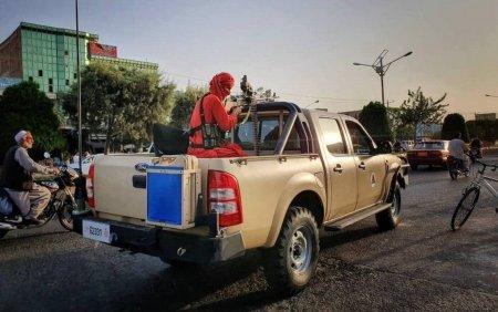 O luna de la cucerirea Kabulului. Afganistanul se confrunta cu o criza umanitara si cu incertitudini privind noul guvern