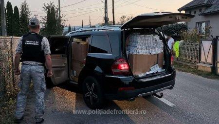 Politistii au depistat doua masini pline cu tigari de contrabanda. Șoferii, opriti cu focuri de arma