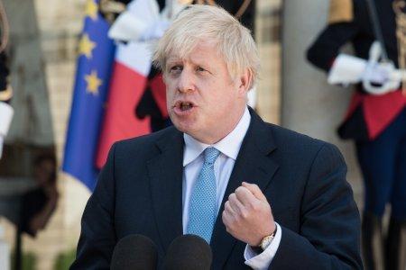 Miscarea momentului facuta de <span style='background:#EDF514'>BORIS</span> Johnson. Premierul britanic va remania intreg guvernul