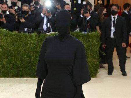 Kim Kardashian a jignit femeile din Afganistan. <span style='background:#EDF514'>MOTIVUL</span> pentru care actrita americana este criticata de presa germana