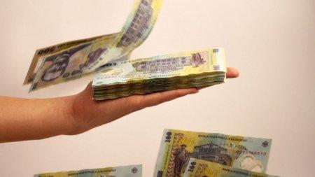 Bucuresti, Cluj si Timis platesc salarii pentru jumatate dintre bugetarii tarii