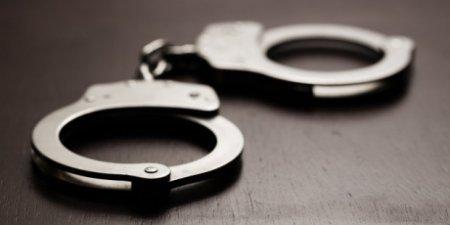 Femeia de 33 de ani care si-a ucis cu parul concubinul mai tanar cu 9 ani a fost arestata: Cei doi <span style='background:#EDF514'>AVEAU</span> si doi copii
