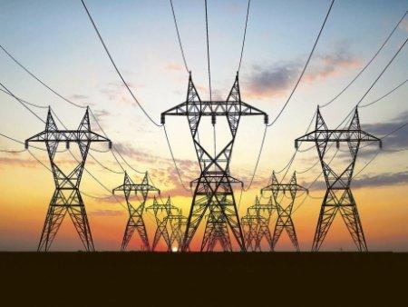 Facturile vor BUBUI si mai tare: energia electrica atinge un nou MAXIM pe bursa