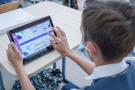 Platforma de educatie remediala NaradiX a ajutat mii de copii. Proiectul continua si in noul an scolar