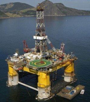 MINISTRUL ENERGIEI DIN OMAN AVERTIZEAZA: Pretul titeiului - la 200 de dolari barilul, daca vor fi oprite investitiile in extractie