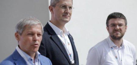 Festivalul democratiei din USR PLUS incepe cu stangul: dispute si probleme privind cine poate vota