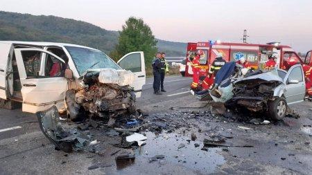 Doi barbati au murit instant dupa un impact frontal devastator intr-un accident in <span style='background:#EDF514'>CAPUSU MARE</span>, Cluj