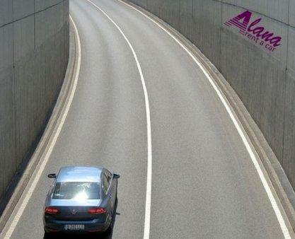 Alegeti serviciul de inchirieri auto Bucuresti si renuntati la <span style='background:#EDF514'>TAXI</span> sau autobuz