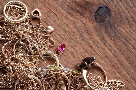 O romanca a furat bijuterii de un milion de euro. Era angajata ca ingrijitoare in Austria