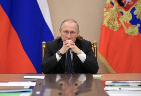 Zeci de persoane din anturajul lui Vladimir Putin, bolnave de COVID-19